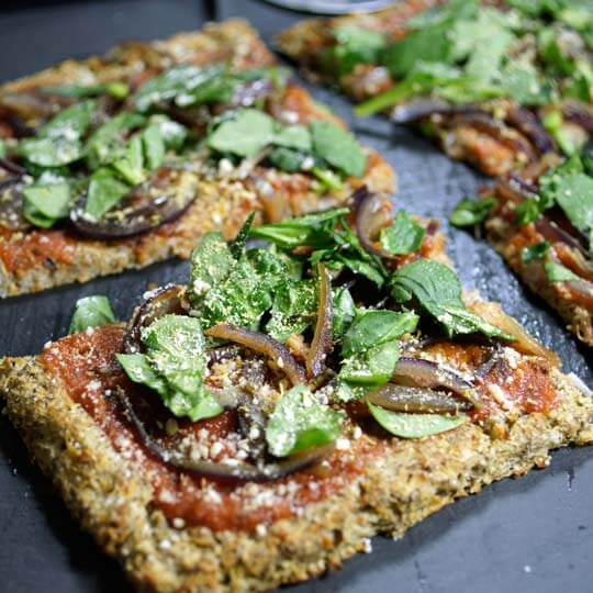 Healthy Recipes: Low-Carb Flax Seed Crust Pizza